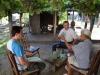Малая группа изучает Библию