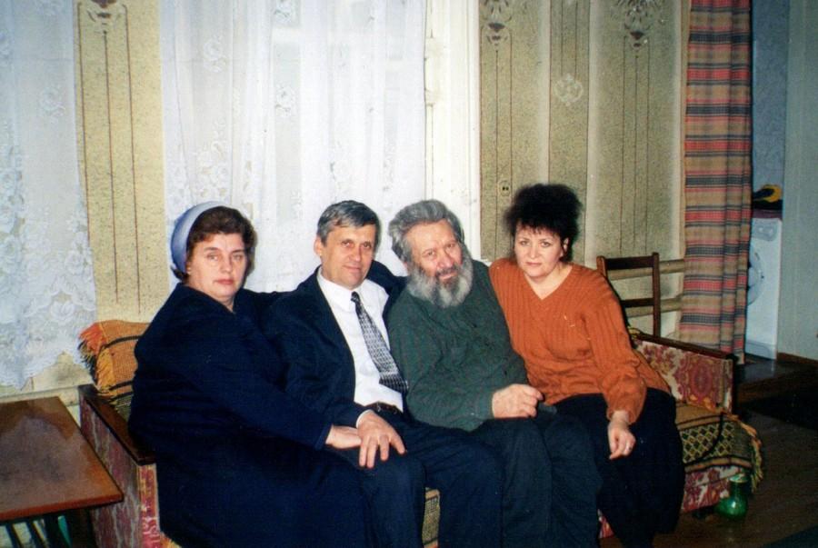 Кирилл Александрович готовится домой….