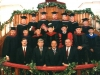 Выпускники  вместе с членами совета Попечителей и преподавателями семинарии.